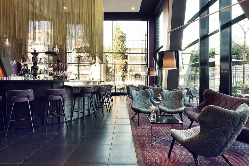 Inntel Art Hotel Eindhoven: il bellissimo angolo bar/ristorante